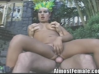 Real Shemale Videos with T-Girl Trannys